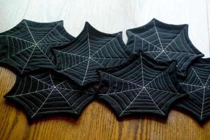 Kết quả hình ảnh cho Spider web table runner halloween